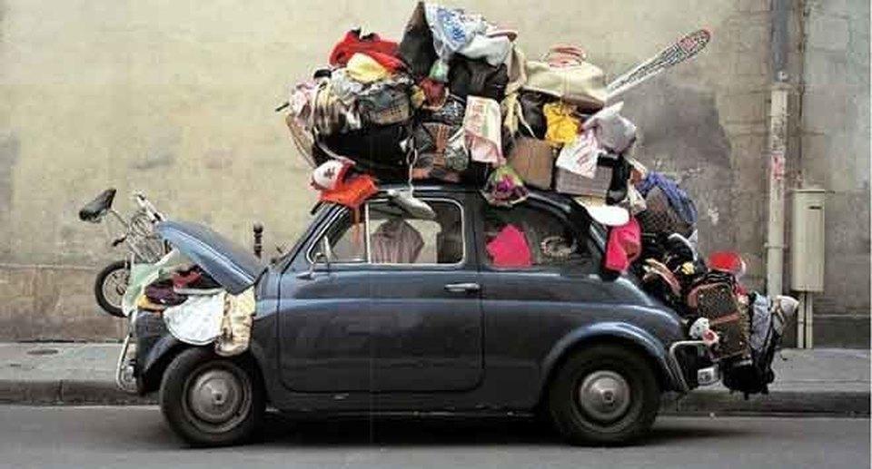 La valigia in viaggio si trasforma in trasloco