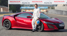 Alonso al volante della Honda NSX, provata all'Estoril la nuova supersportiva