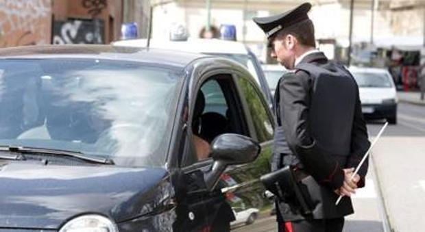 Rc Auto, niente multa per chi mostra l'assicurazione sullo smartphone
