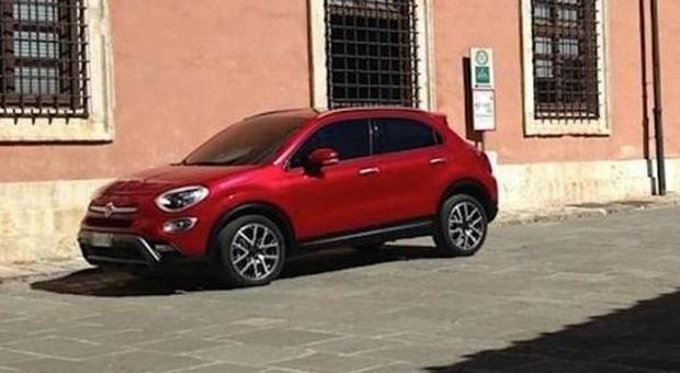 Fiat 500x ecco la prima foto del mini suv made in italy for Garage fiat paris