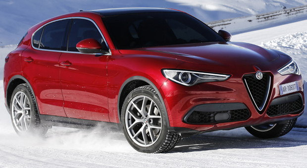 alfa romeo stelvio il primo suv del biscione al debutto sulle nevi di sankt moritz. Black Bedroom Furniture Sets. Home Design Ideas