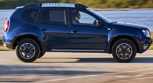 Dacia il suv low cost diventa automatico sulla duster for Dacia duster foto interni