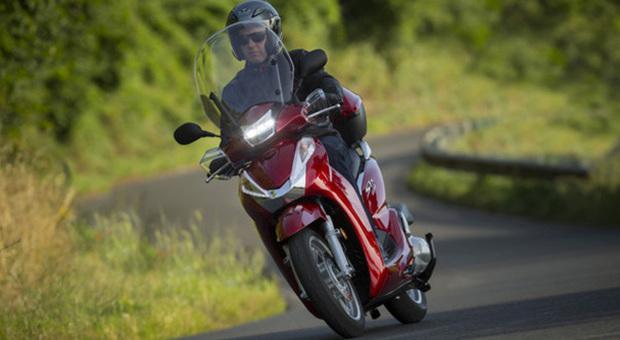 Honda Sh 300 Nuovo Modello Ancora Più Efficiente Il Principe Degli