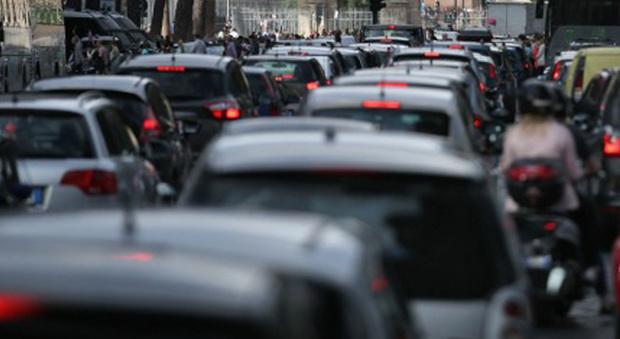 Senato stop vendita auto a benzina e diesel nel 2040 for Lavori senato oggi