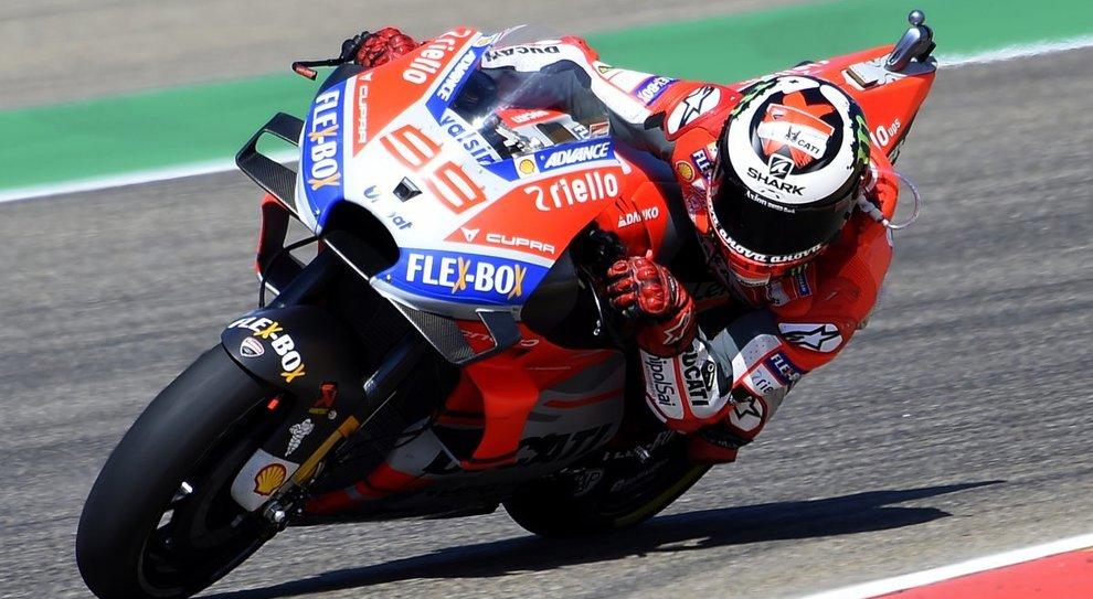 Motogp, qualifiche Aragona: doppietta Ducati con Lorenzo e Dovizioso. Rossi 18°