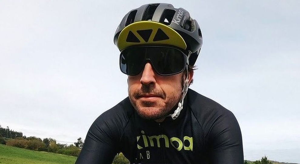Fernando Alonso in bicicletta