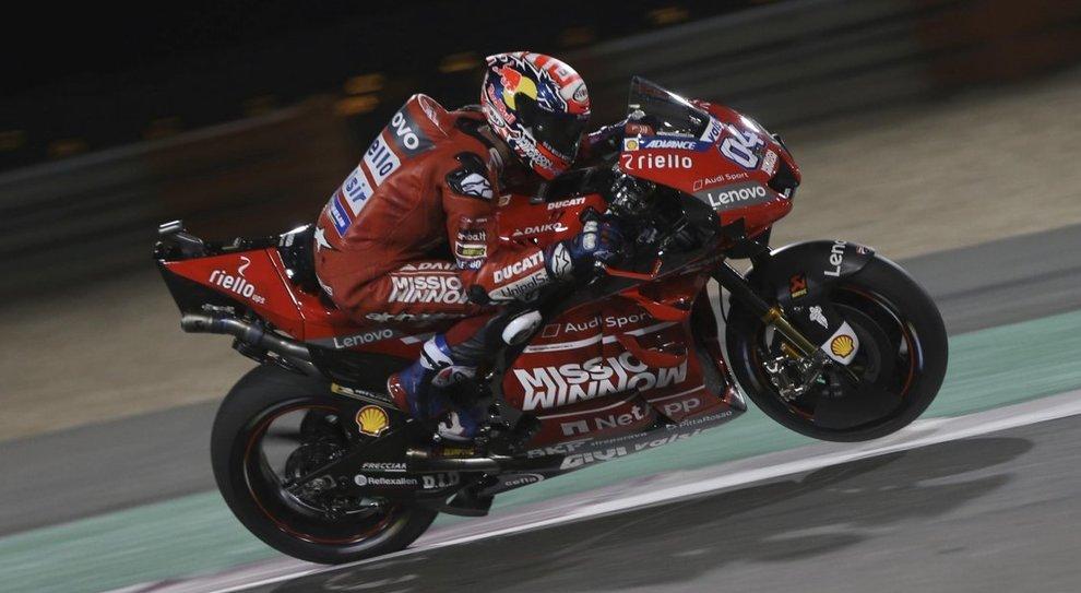 Ducati strepitosa in Qatar. Dovizioso doma Marquez ma vittoria è congelata