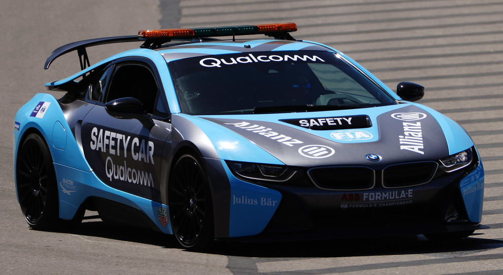 La BMWi8 che funge da safety car