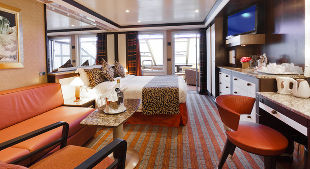 Costa crocere punta sull 39 italy s finest per il design for Nuove case con suite suocera