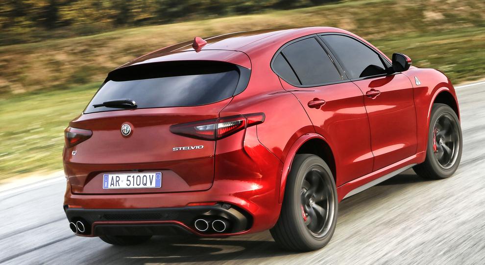 Stelvio Quadrifoglio Debutta Sul Mercato Alfa Romeo Apre Gli Ordini