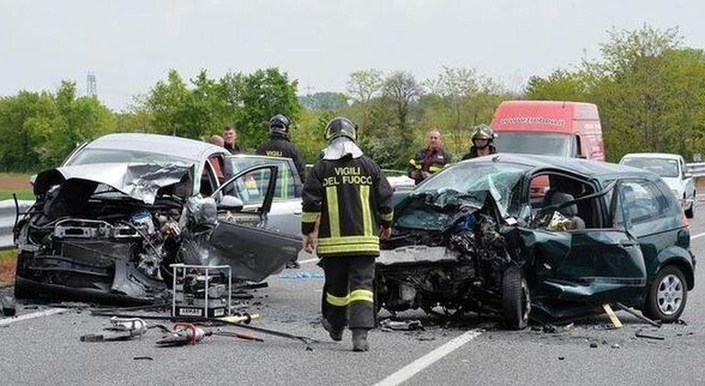 Incidenti Stradali 1 3 I Decessi Il 25 E Sulle Autostrade Stime Istat Aci Per Il 2019 Calano Feriti