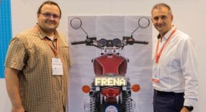 «Frena!»: così un display smart mette in sicurezza i motociclisti